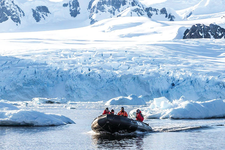 ANTARCTIC PENINSULA WITH SILVER CLOUD